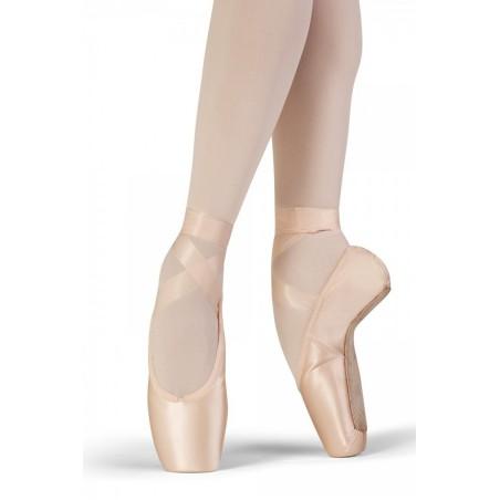 Grace Bloch Pointe Shoe