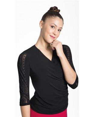 Top crossed 3/4 sleeves lace